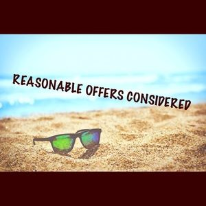 🎈Reasonable offers considered!🎈